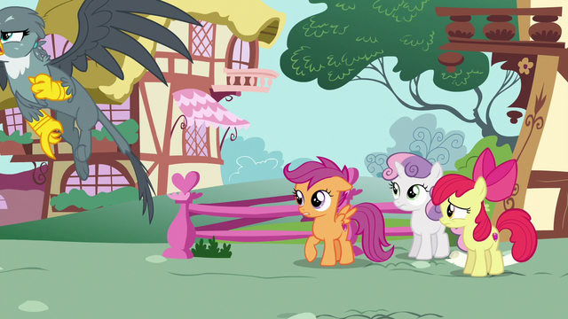 File:Gabby flies away from the CMCs upset S6E19.png