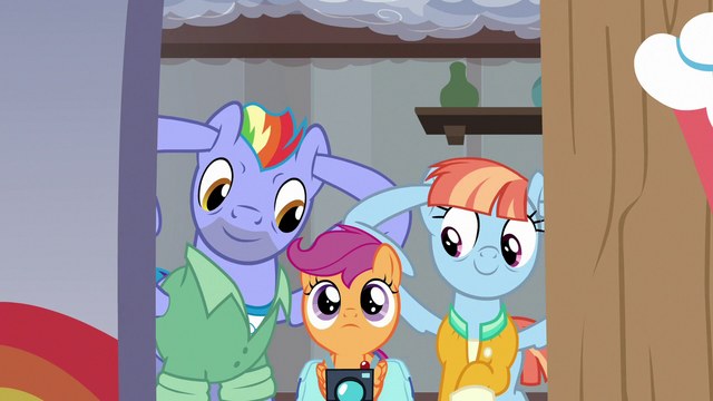 File:Bow and Windy preemptively plug their ears S7E7.png