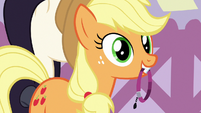 Applejack present purple band to Inky Rose S7E9