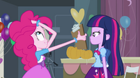 Twilight talking with Pinkie EG
