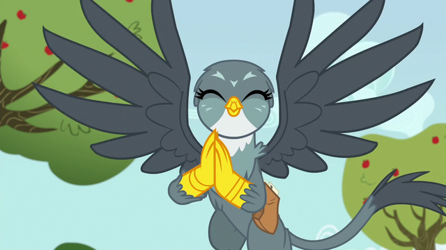 File:Gabby eagerly rubbing her claws together S6E19.png