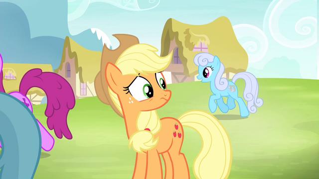File:Applejack sees ponies gathering S4E20.png