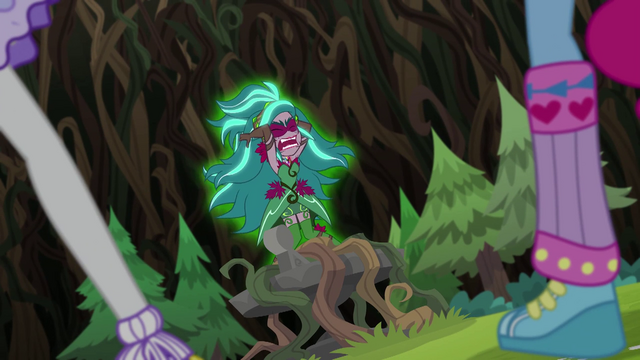 """File:Gloriosa Daisy """"why are you fighting me?!"""" EG4.png"""