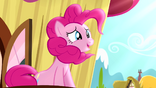 Pinkie Pie singing on top of balcony S4E12