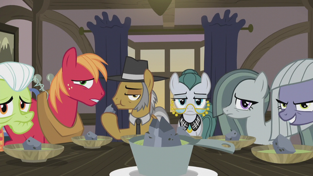 File:Igneous and Cloudy staring at Applejack S5E20.png