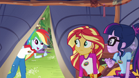 Rainbow Dash calling Sunset and Twilight EG4