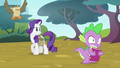 Rarity catches Spike in the act S4E23.png
