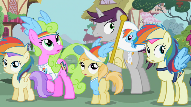 File:Ponies gasp at the scream S02E08.png