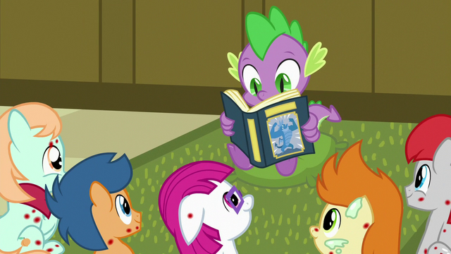 File:Spike reading to the sick foals S7E3.png