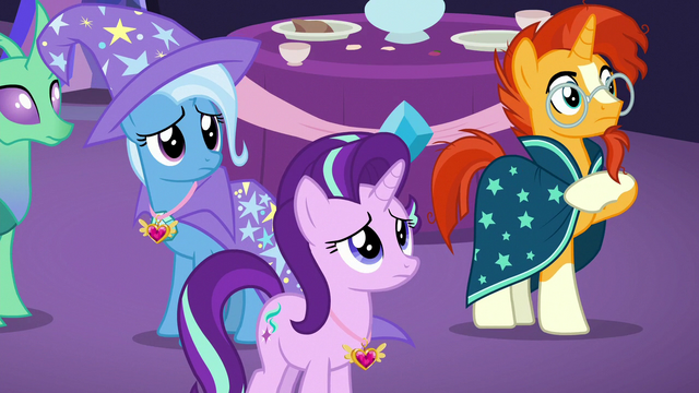 File:Starlight, Trixie, and Sunburst look concerned S7E1.png