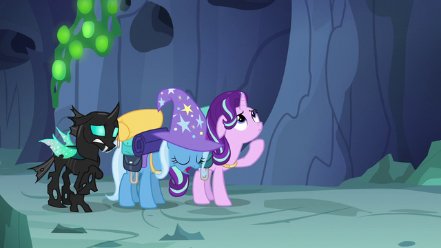File:Trixie sighing S6E26.png