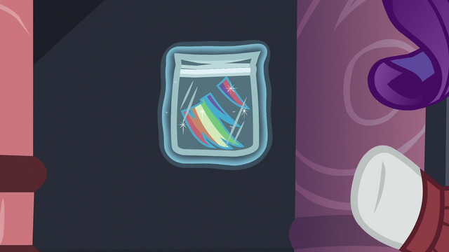File:A piece of Rainbow's mane being levitated S5E15.png