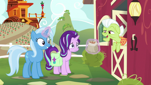 "File:Granny Smith ""them nuts sure do smell good"" S7E2.png"