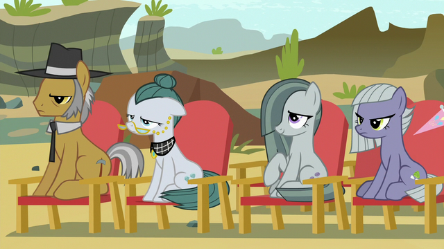 File:Pie family members in the audience S7E4.png