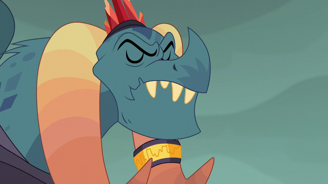 File:Torch's head moves up S6E5.png