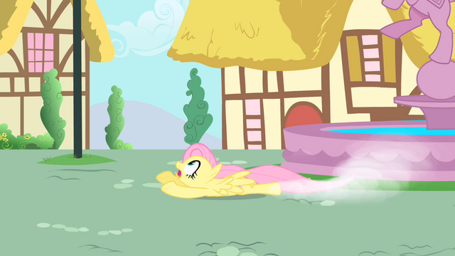 File:Fluttershy attempting to catch Philomena S1E22.png