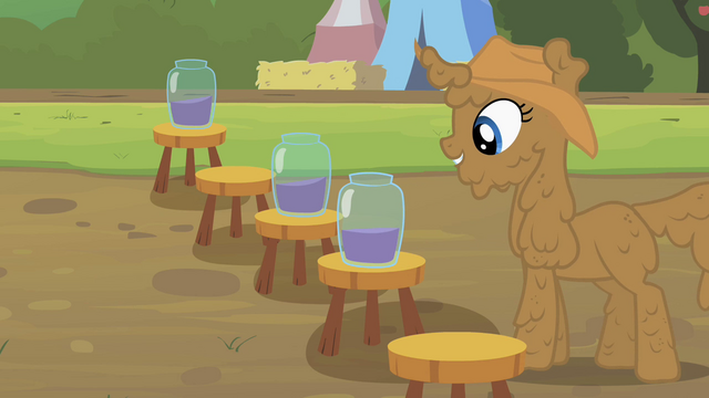 File:Rarity grape juice delivered S2E5.png