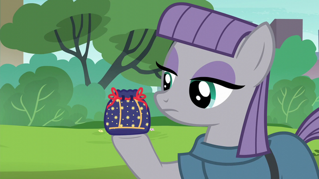 File:Maud Pie holding a rock pouch S6E3.png