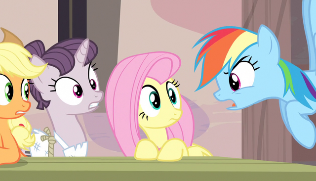 "File:Rainbow Dash ""don't drag me into this!"" S5E1.png"
