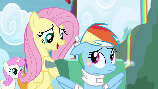 File:Fluttershy takes care of Rainbow S4E10.png