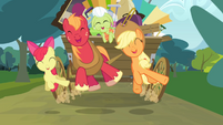 Apple Bloom, Big McIntosh and Applejack jumping S4E09