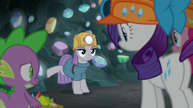 File:Maud Pie lightly kicks the cave wall S7E4.png