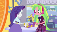 Rarity picking up her sign-up ticket EGS1