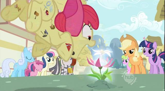 File:Apple Bloom pounces S02E06.png