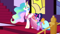 Twilight and Celestia hear trumpet fanfare S5E7