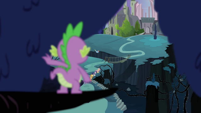 File:Spike sees friends in the distance S4E02.png