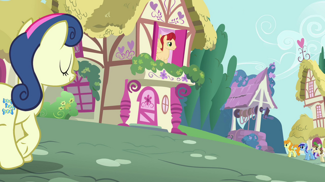 File:Sweetie Drops trotting along S3E6.png