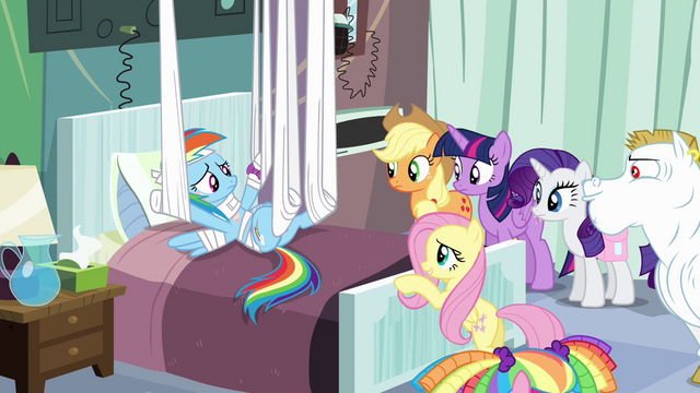 File:Fluttershy feeling sorry for Rainbow S4E10.png