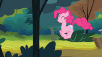 Pinkie Pie hopping S4E09