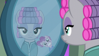 Pinkie Pie smiling wide in the mirror S7E4