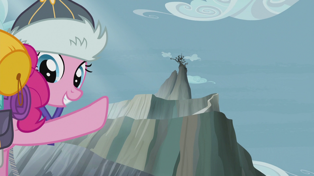 File:Pinkie points up to Griffonstone S5E8.png