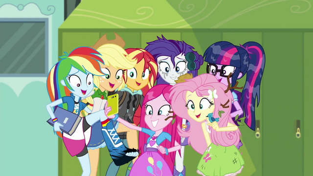 File:Mane Seven taking a group photo SS6.png