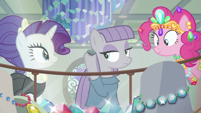 File:Maud Pie puts Boulder up to her ear S6E3.png