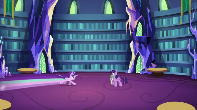 File:Starlight speeds back to Twilight and Spike S6E21.png