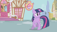 Twilight looking at hopping Pinkie S1E03