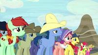 Appleloosa ponies in distress S5E6