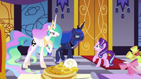 Celestia and Luna accept Starlight's challenge S7E10