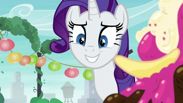 File:Rarity smiling at Maud nervously S6E3.png