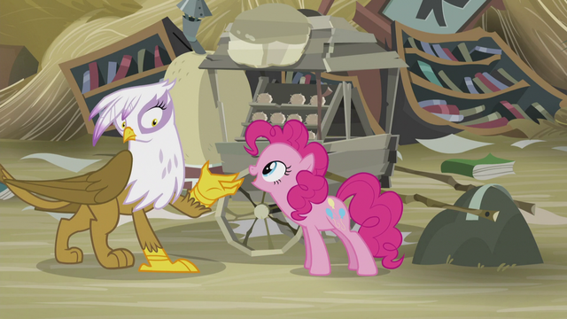 "File:Pinkie ""I'll buy one!"" S5E8.png"