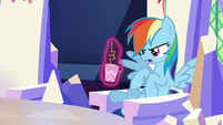 Potion drink levitated in front of Rainbow S5E22