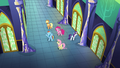 """Rainbow Dash sings """"To make this castle shine"""" S5E03.png"""
