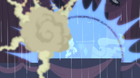 Shield forms around Sweetie Belle S4E19