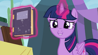 Twilight holding book from Spike at Your Service S4E22