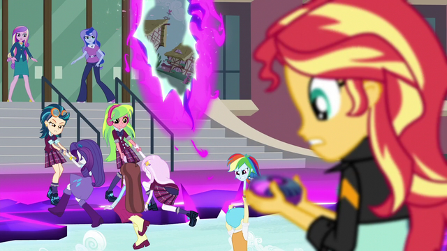 File:Sunset Shimmer looking at the device EG3.png