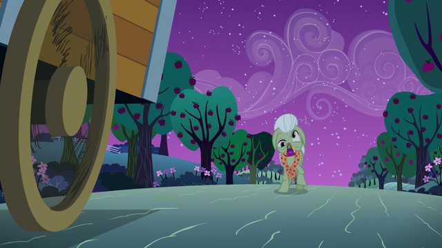 File:Zombie Granny Smith appears in the road S6E15.png
