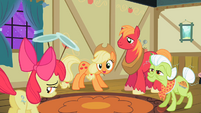 Applejack 'we're mighty proud' S2E06